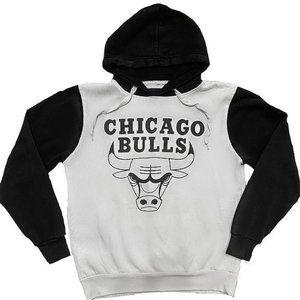 B&W Chicago Bulls Hoodie